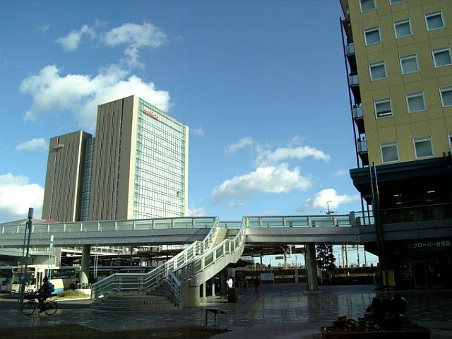 長岡京駅前