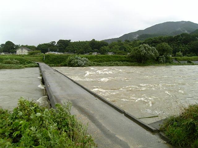 保津川増水中